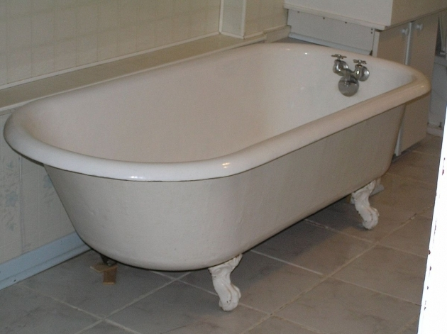 Image of Built In Clawfoot Tub Bathtub Wikipedia