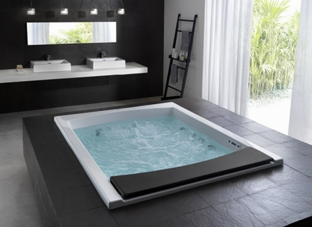 Inspiring Small Whirlpool Tub Jacuzzi Tubs For Small Bathrooms Tlzholdings