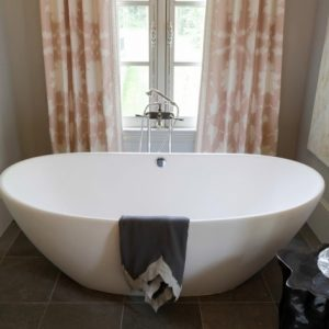 Porcelain Soaking Tub
