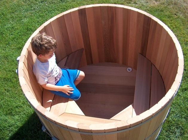 Stunning Wood Fired Japanese Soaking Tub Outdoor Soaking Tub For Two People Wood Barrel Round Soaking Tub