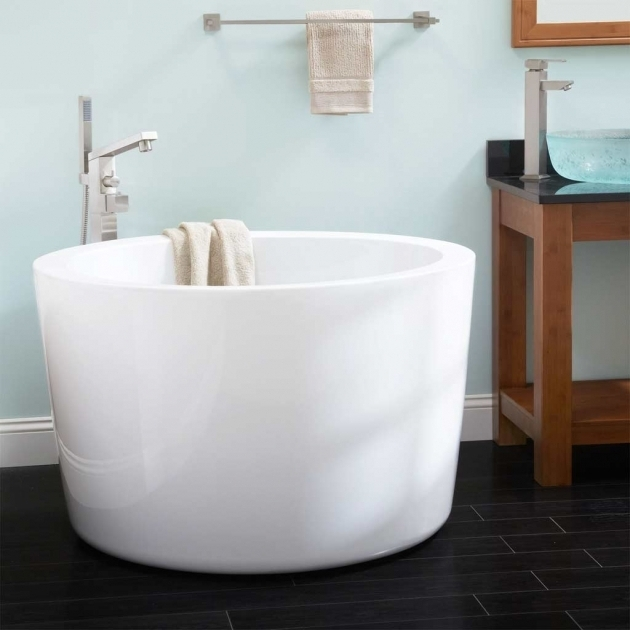 Beautiful Fiberglass Soaking Tub Cozy Tiny Minimalist Japanese Soaking Tub For Minimalist Bathroom