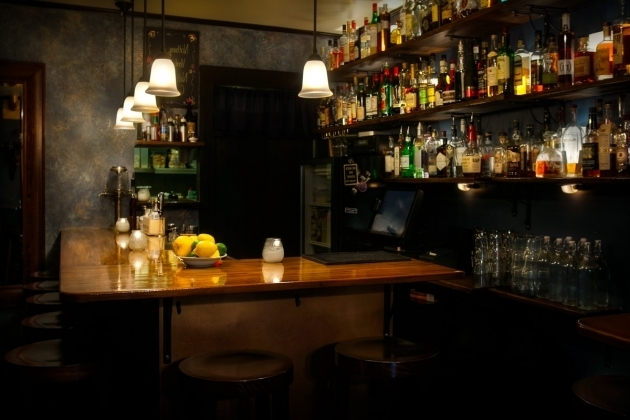 Stylish Bathtub Gin Seattle Gals In The Neighborhood The Seattle Speakeasies Real Estate