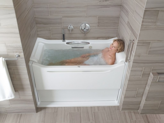 Fascinating Alcove Soaking Tub Kohler Soaking Bathtubs Decor Trends The Home Spa Experience