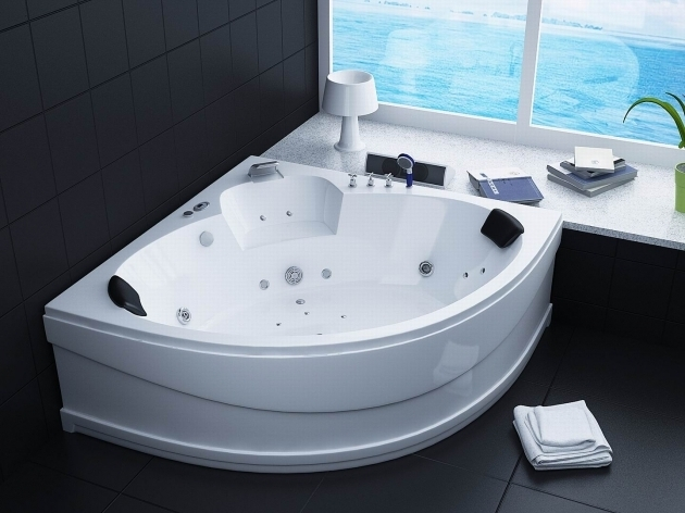 Fascinating Best Whirlpool Tubs Best Large Jacuzzi Bath Whirlpool Bathtubs Luxury Bathroom Corner