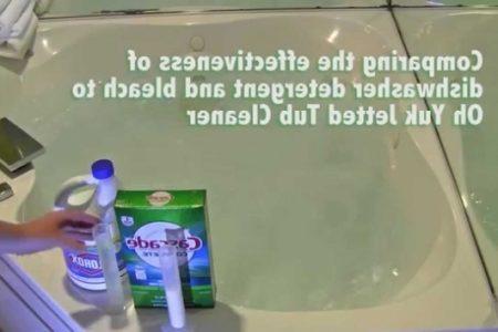 Clean Whirlpool Tub