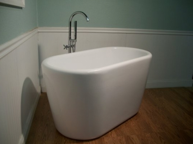 Marvelous Small Deep Soaking Tub Free Standing Soaking Tub Small Deep Soaking Tubs Free Standing