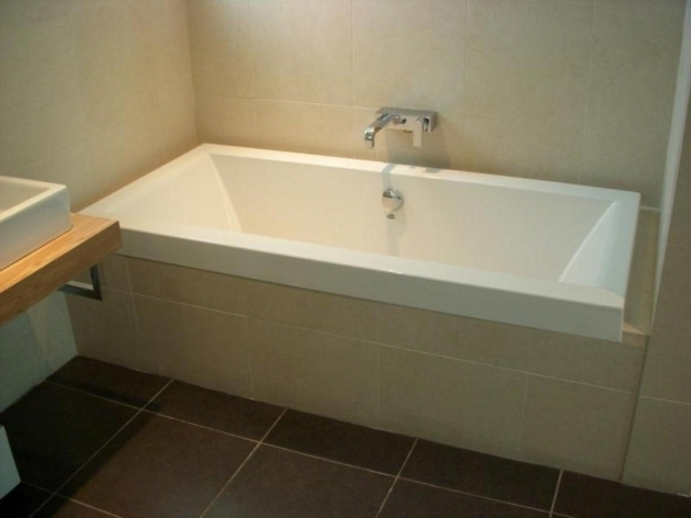 Picture of Deep Bathtubs For Small Bathrooms Deep Bathtubs For Small Bathrooms