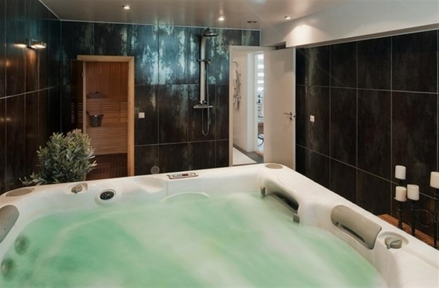 Fantastic Huge Bathtubs Huge Bathtub Icsdri