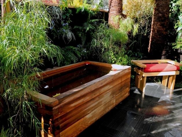 Outdoor Soaking Tub Bathtub Designs
