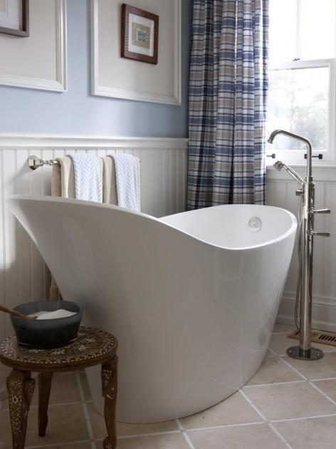 Stylish Extra Long Soaking Tub Infinity Bathtub Design Ideas Pictures Tips From Hgtv Hgtv
