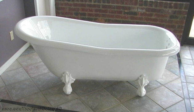 Image of Fiberglass Clawfoot Tub 60 Acrylic Slipper Clawfoot Tub Classic Clawfoot Tub