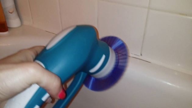 Marvelous Bathtub Scrubber Cleaning The Bathtub With The Pure Dome Power Scrubber Youtube
