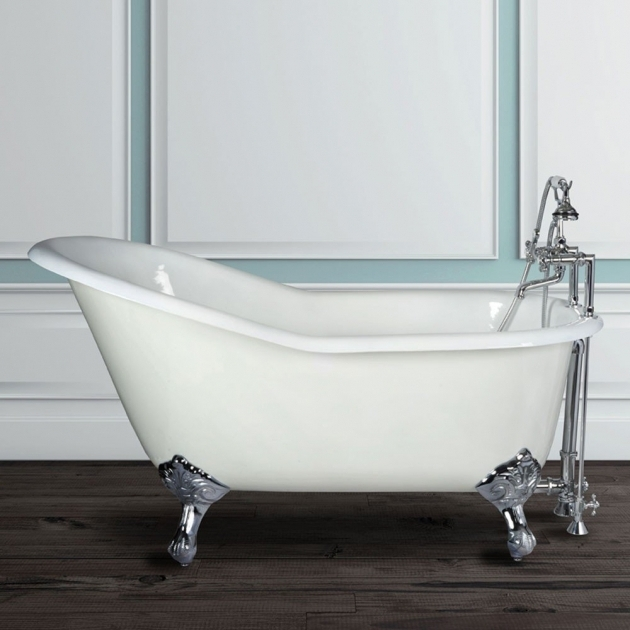 stunning 4 foot clawfoot tub cast iron tubs cast iron clawfoot bathtubs vintage tub bath 89109