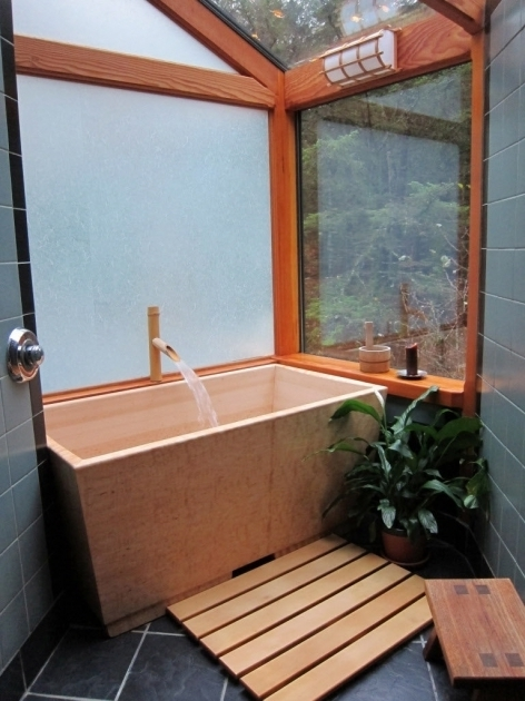 Alluring Japanese Style Soaking Tub Japanese Style Soaking Tubs Catch On In Us Bathroom Decor