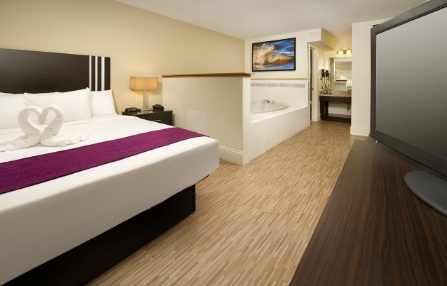 Inspiring Hotel Rooms With Whirlpool Tubs Hotels With Jacuzzi In Room Orlando Avanti Resort Orlando Fl