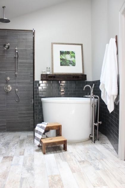 Wooden Bathtub Mat