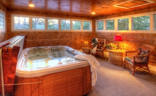 Incredible Hotels With Whirlpool Tubs Vineyard Hotel W Private Hot Tubs Fireplaces Thorncroft Inn
