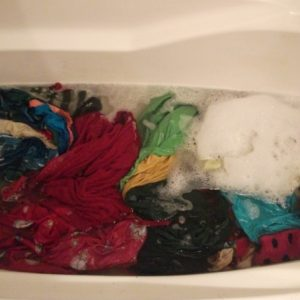 How To Wash Clothes In Bathtub