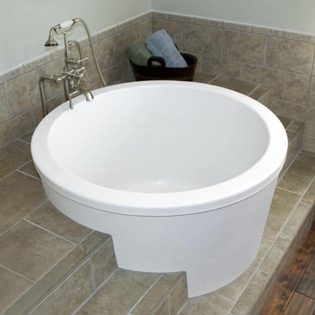 Small japanese soaking tub bathtub designs for Best deep soaking tub